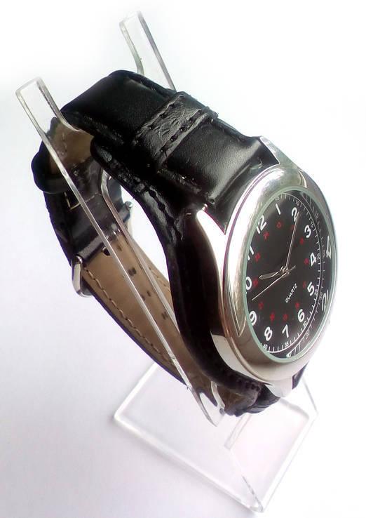 Мужские часы с удобным ремешком черные