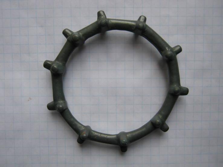 Шипастый браслет