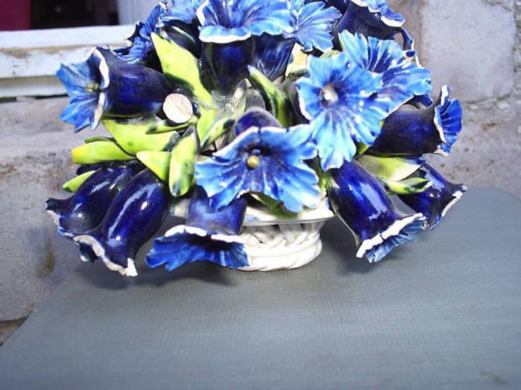 Букет цветов в корзине, фото №3