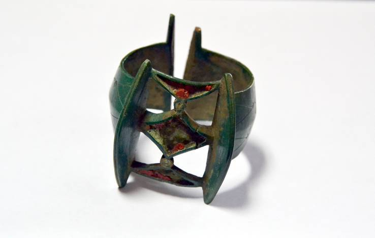 Ажурный, манжетовидный браслет К.К. в отличной патине - 3-4 в.