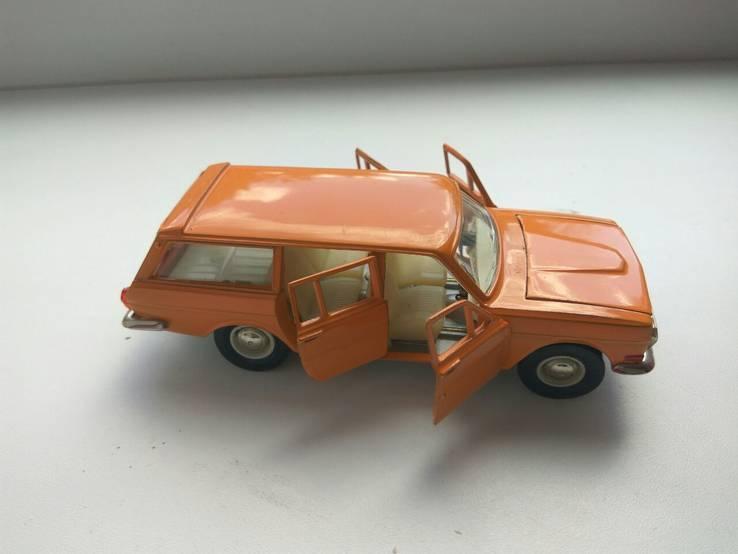 Волга ГАЗ 24 02 1982год модель А13 оранжевая без made in