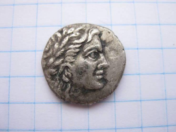 Драхма Пантикапей (голова Апполона - горит,палица) 107-100 гг. до н.э.