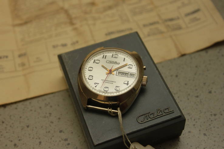 Часы Слава 2127 не ношенные  полная комплектация
