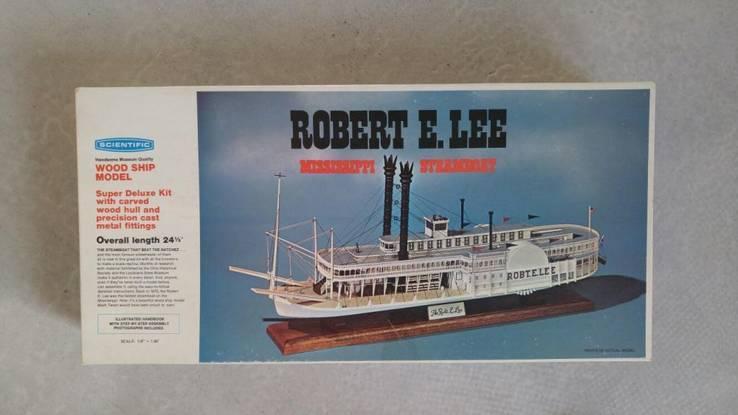 Сборная модель из дерева Robert E. Lee Mississippi Steamboat