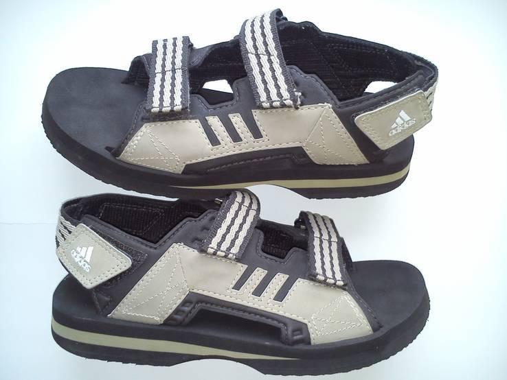 Сандалии Adidas (Розмір-37)