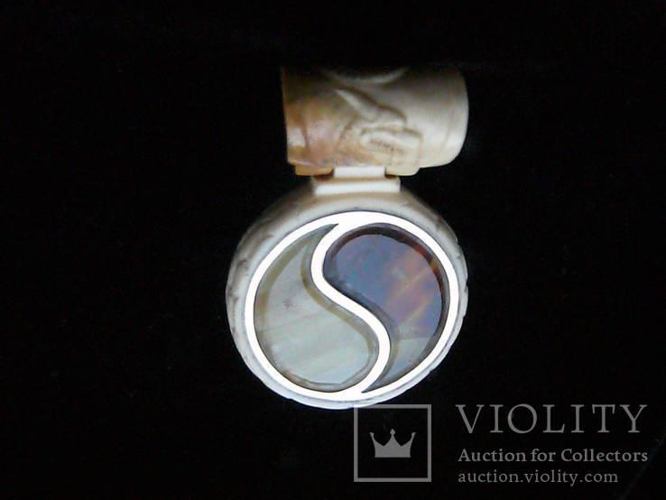Кулон из Янтаря, Бивня мамонта на кожаном шнурке с серебряным креплением, фото №6
