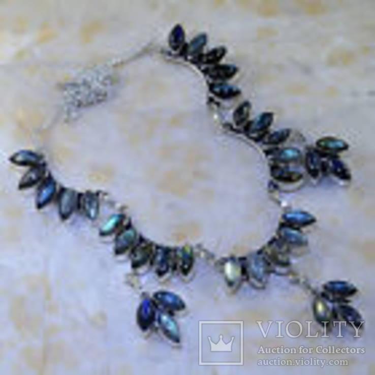 Ожерелье с лабрадоритами