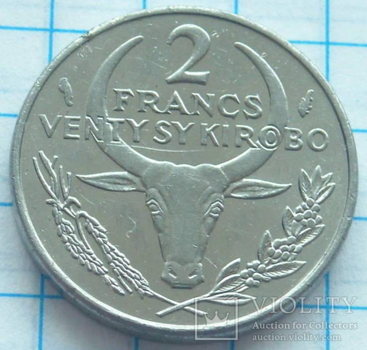 Французкий Мадагаскар 2 франка 1979