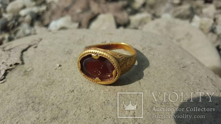 Золотий перстень з сердоліком 14-15 ст.