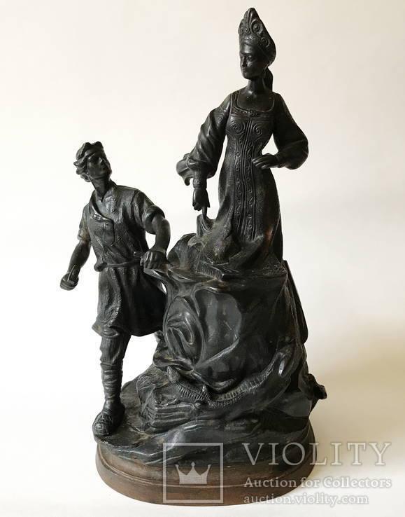 Чугунная скульптура '' Хозяйка Медной Горы '', 1960 год.