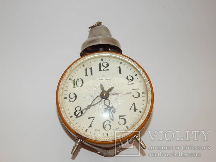 Часы будильник ссср янтарь 7857