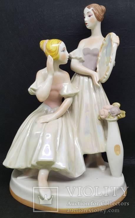 Балерины у зеркала