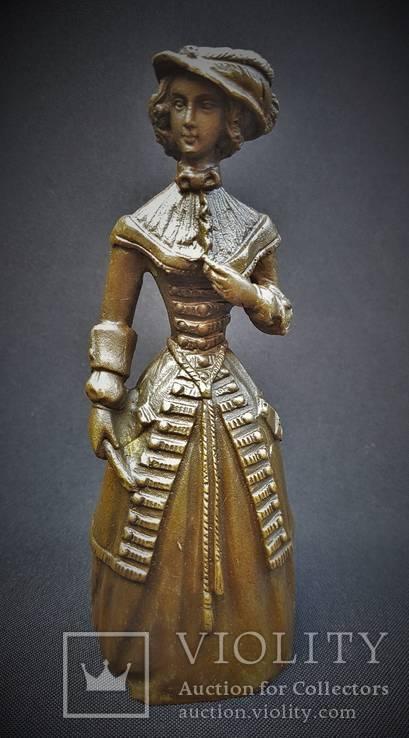 Коллекционный вызывной колокольчик Дама в шляпе Бронза