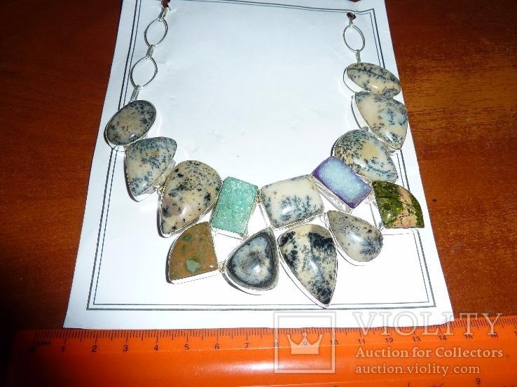 Ожерелье из натуральных дендрит опалов и кварцевых друз