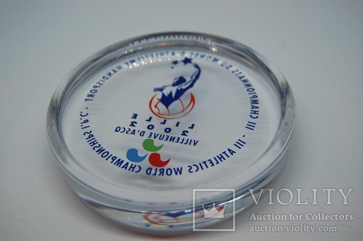 Стеклянный Сувенир 2002 Чемпитонат Лиль. Спорт. 9см. Вес 320 грн, фото №4