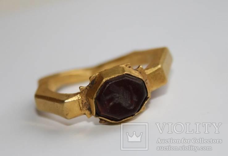 Римский золотой перстень,гемма
