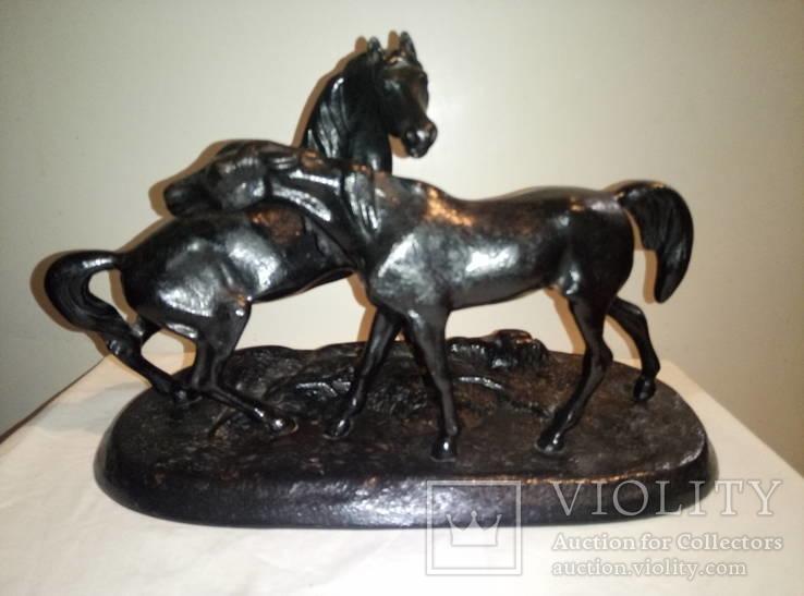 Скульптура 《Кони на воле》чугун,Касли