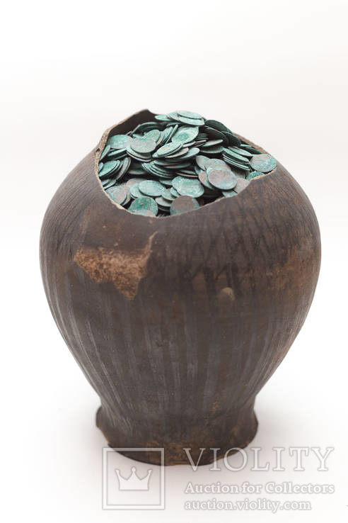 Клад скарб боратинок (солідів) 7300 штук разом з глечиком