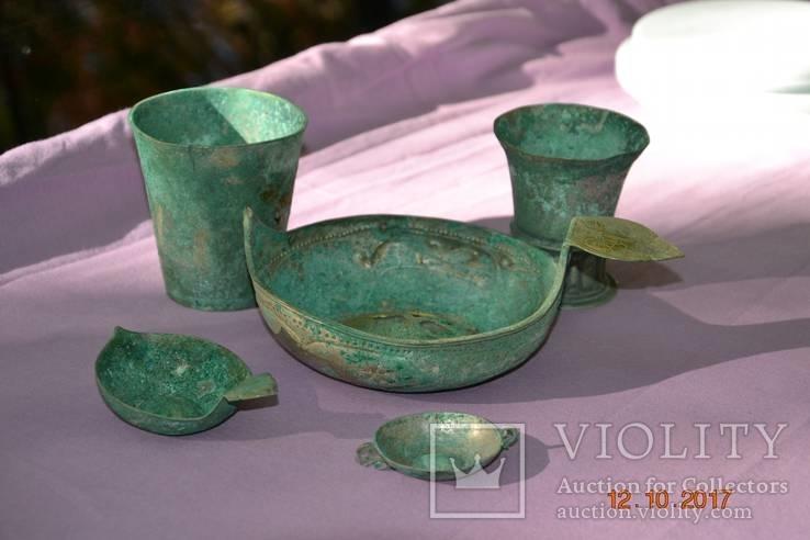 Стариний комплект, срібної посуди з гербом