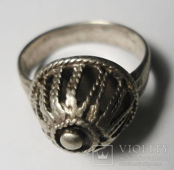 Серебряный перстень 14 век, Скань.