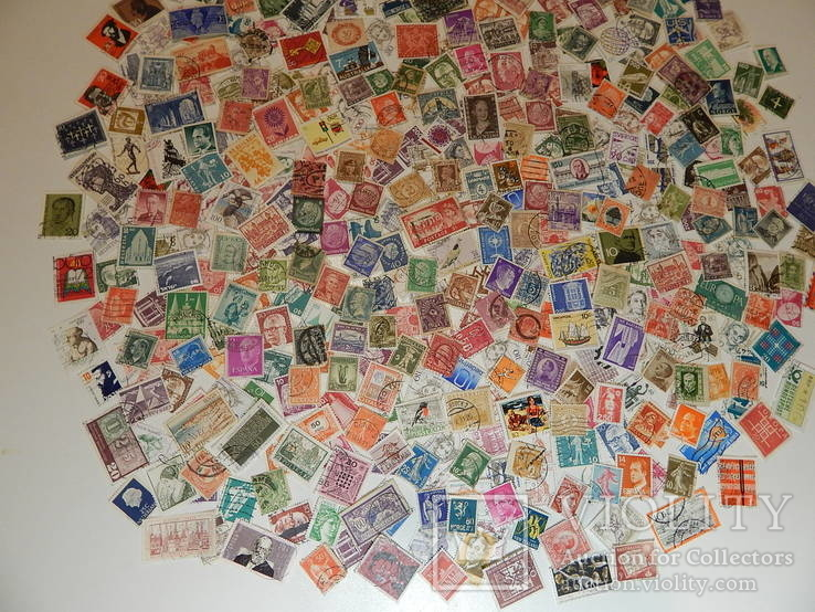 Лот иностранных марок 470 шт.