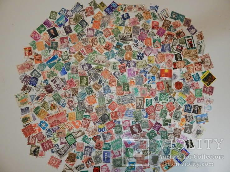 Лот иностранных марок. 500 шт.