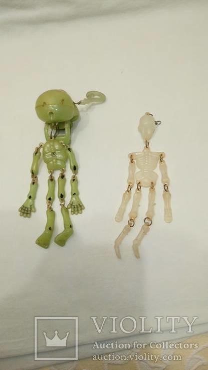Два скелета , пластик . можно в авто ) . брелоки, фото №6