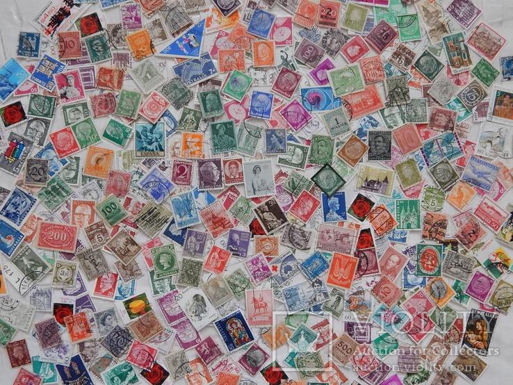 Интересный лот иностранных марок. 420 шт.