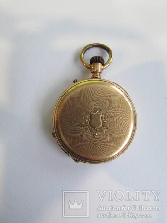 Золотые карманные часы .