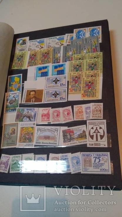 Альбом с укр. марками 214 марок и 20 конвертов