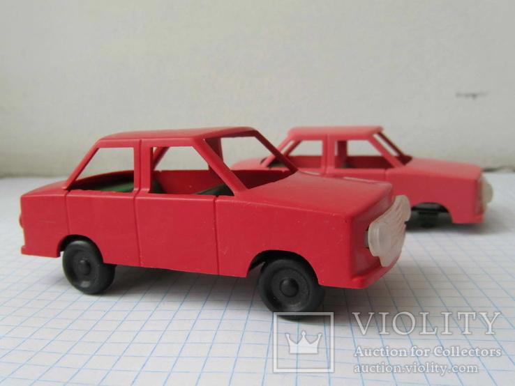Машинка легковая СССР сохран + 1 на запчасти
