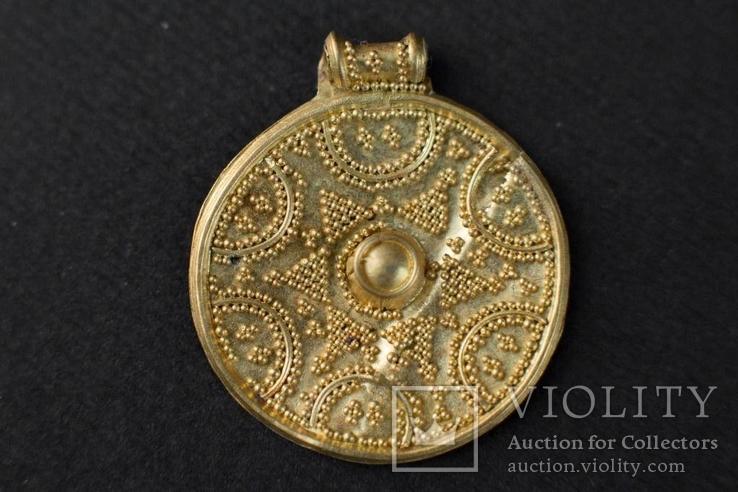 Монетовидна підвіска Х-ХІ століття