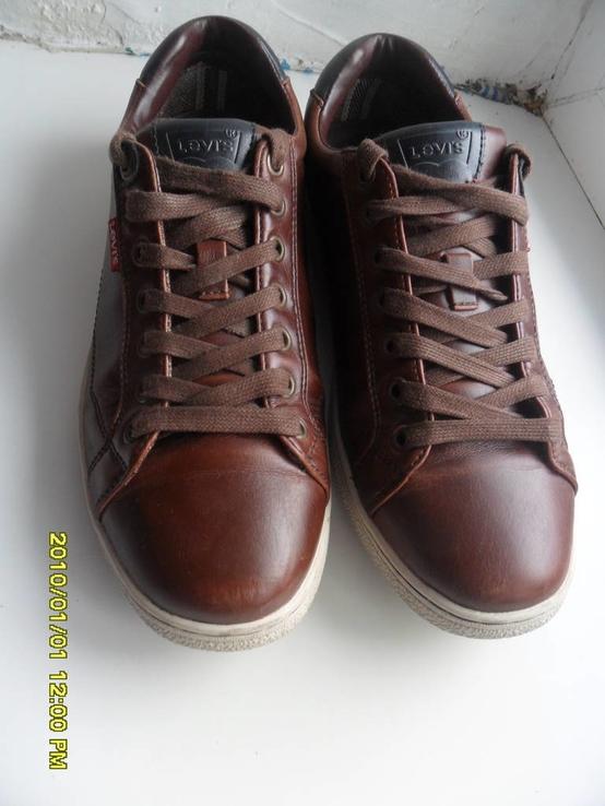 Демисезонная мужская обувь Levis оригинал  . кожа . размер 40. по стельке 25см.