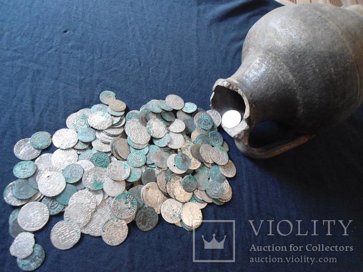 Клад монет средневековья
