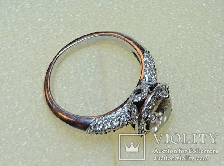 Золотое кольцо с бриллиантом 1.10 ct