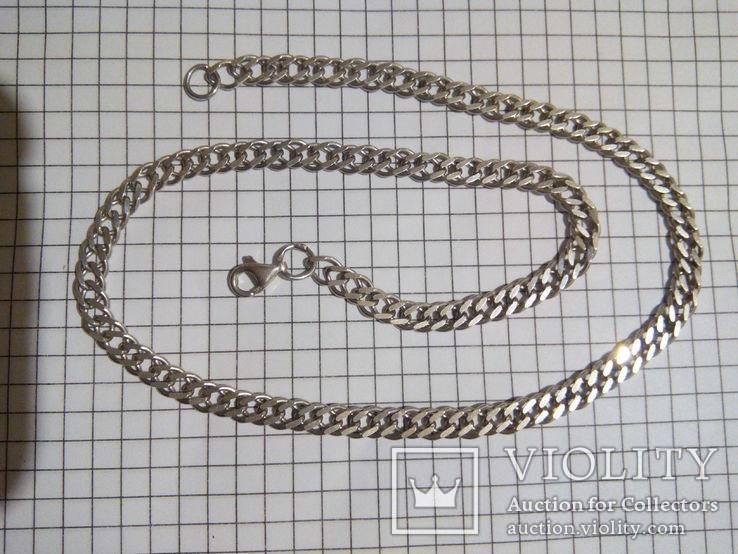 Серебряная цепочка, длина 42.5 см.