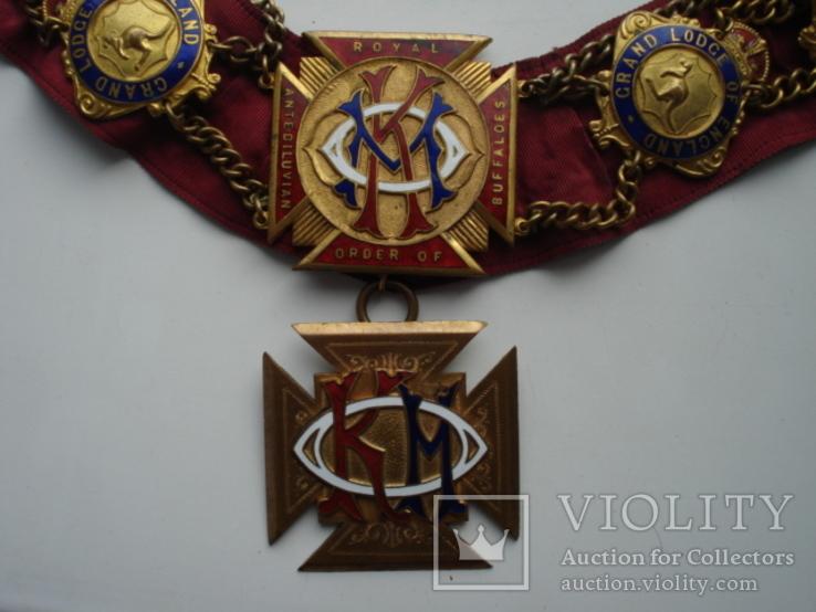 Масонская нагрудная лента КОМ - knight of merit (рыцарю за заслуги)
