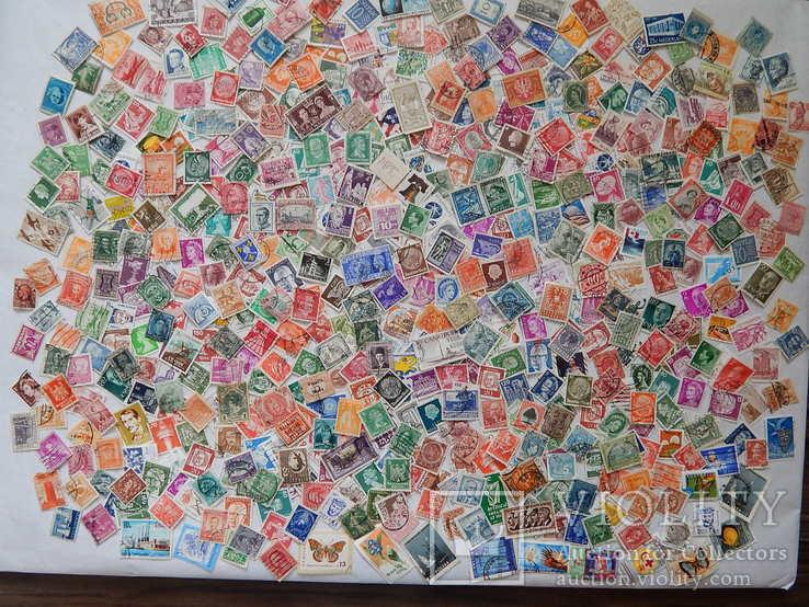 Лот иностранных марок 600 шт.