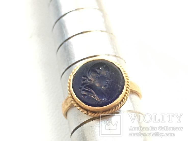Перстень золото гемма