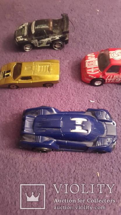 4 иностранных автомобиля