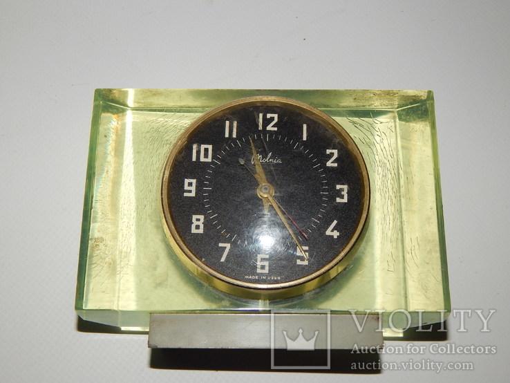 Часы настольные молния 0394