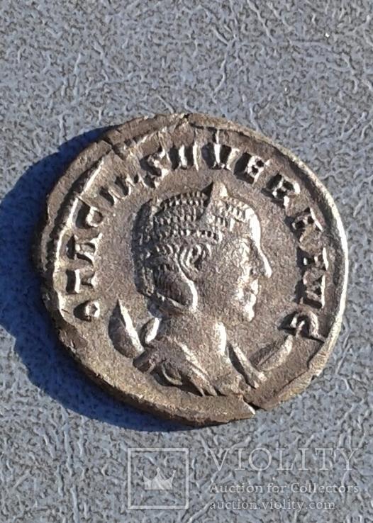 Антониан Отацилии Севера  денарий.