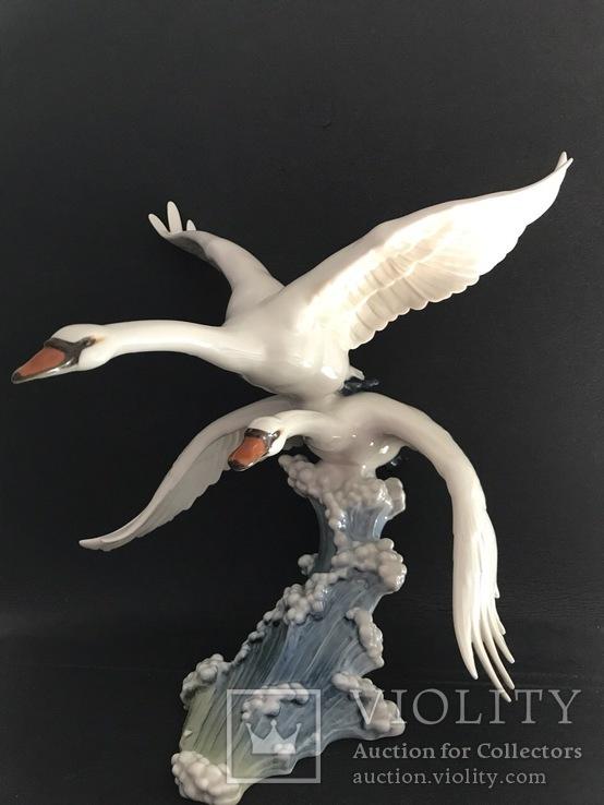 Лебеди(В голубом просторе).Hutschenreuther.