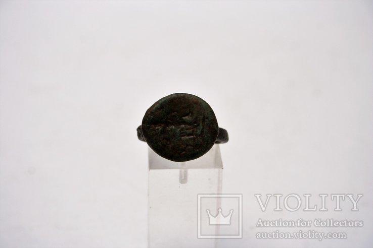 Rzymski pierścień z brązu