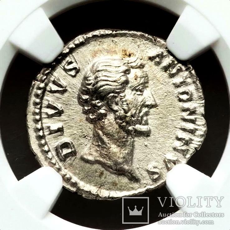 Денарий Антонин Пий 161 г. н.э.