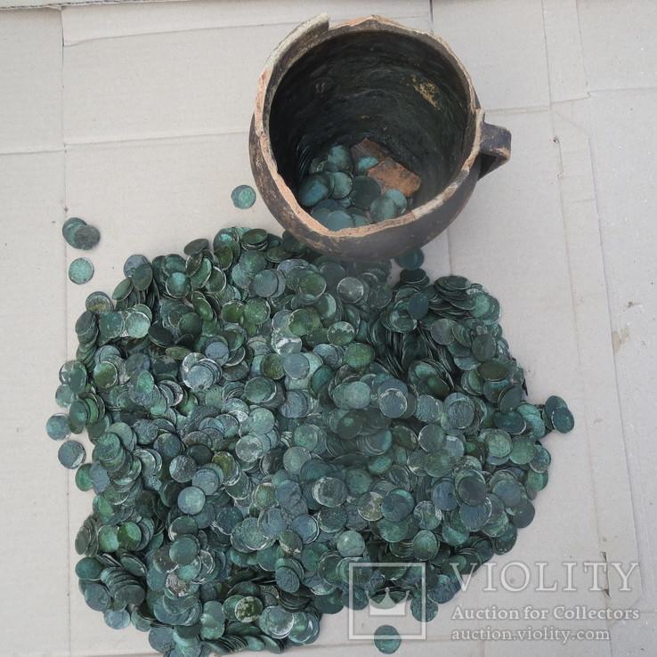 Монеты, около 3400 шт.