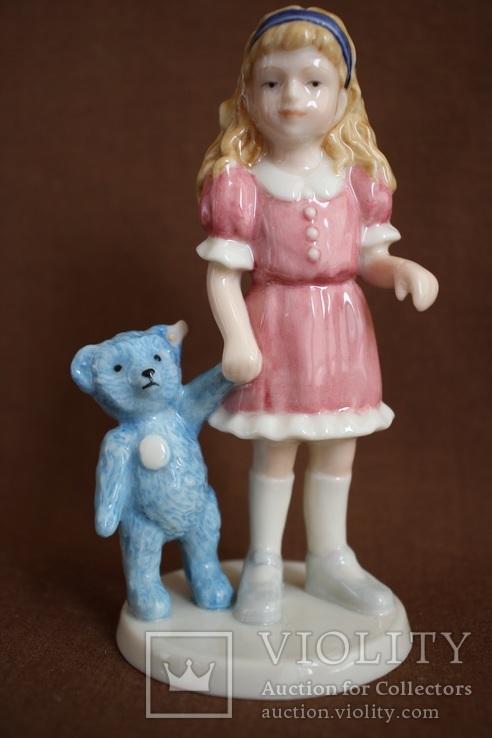 Royal Copenhagen Девочка с игрушкой Goldilocks 2004
