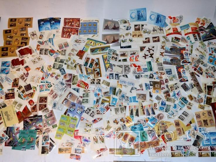 Около 800 штук марок не гашенные