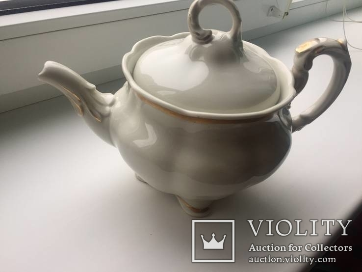 Старовинний великий чайничок позолоченний