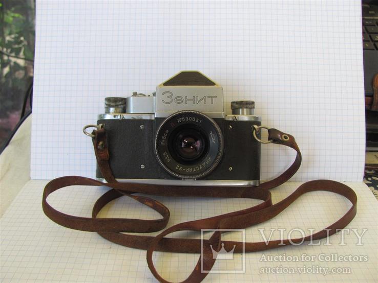 Фотоаппарат зенит 50 годов. номер 0006.